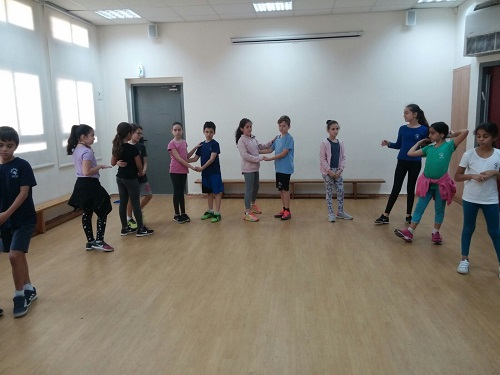מפואר ילדים רוקדים בפתח תקווה IJ-02